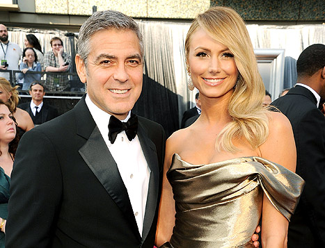 1347453378_george-clooney-stacy-keibler-article