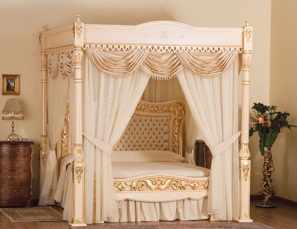 4-£-Million-Royal-Bed-Baldacchino-Supreme