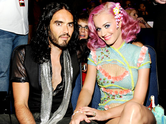 1330015872_russell-brand-katy-perry-justin-bieber-lg